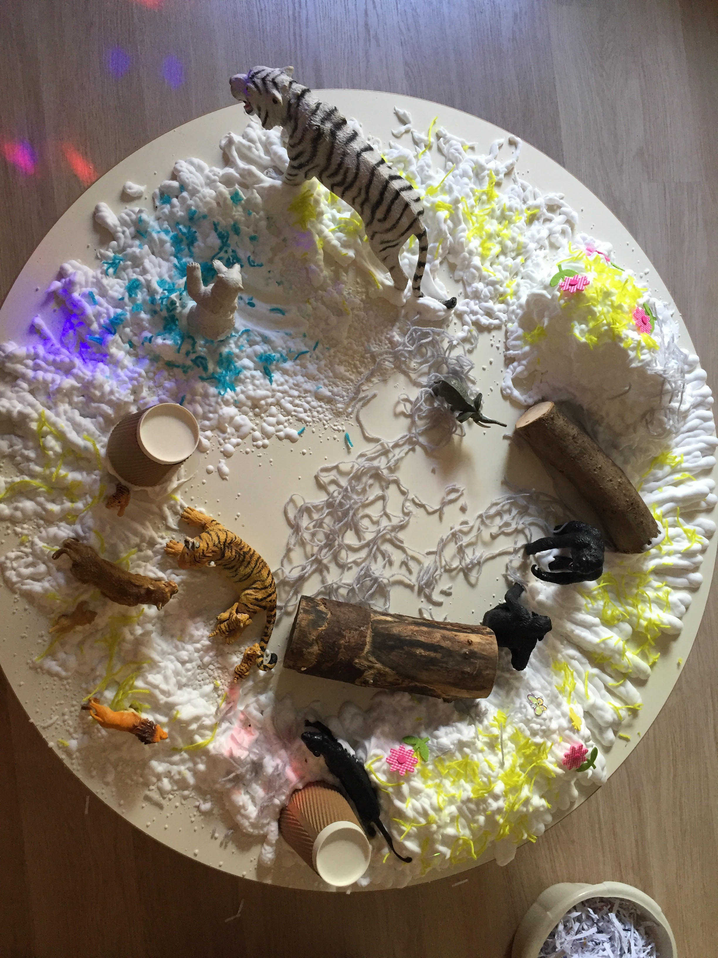 LX-provocation-animals-and-shaving-foam-1